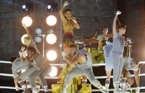 """Katy Perry """"Roar"""" VMA's 2013"""